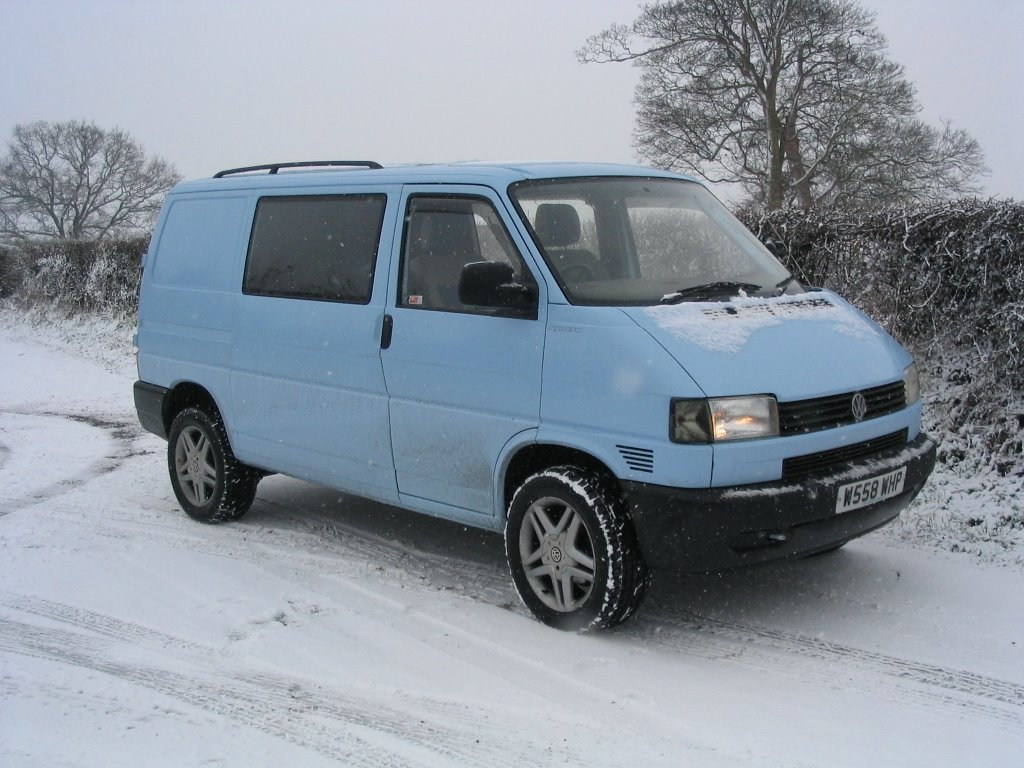 vw transporter t4 syncro camper conversion snow. Black Bedroom Furniture Sets. Home Design Ideas