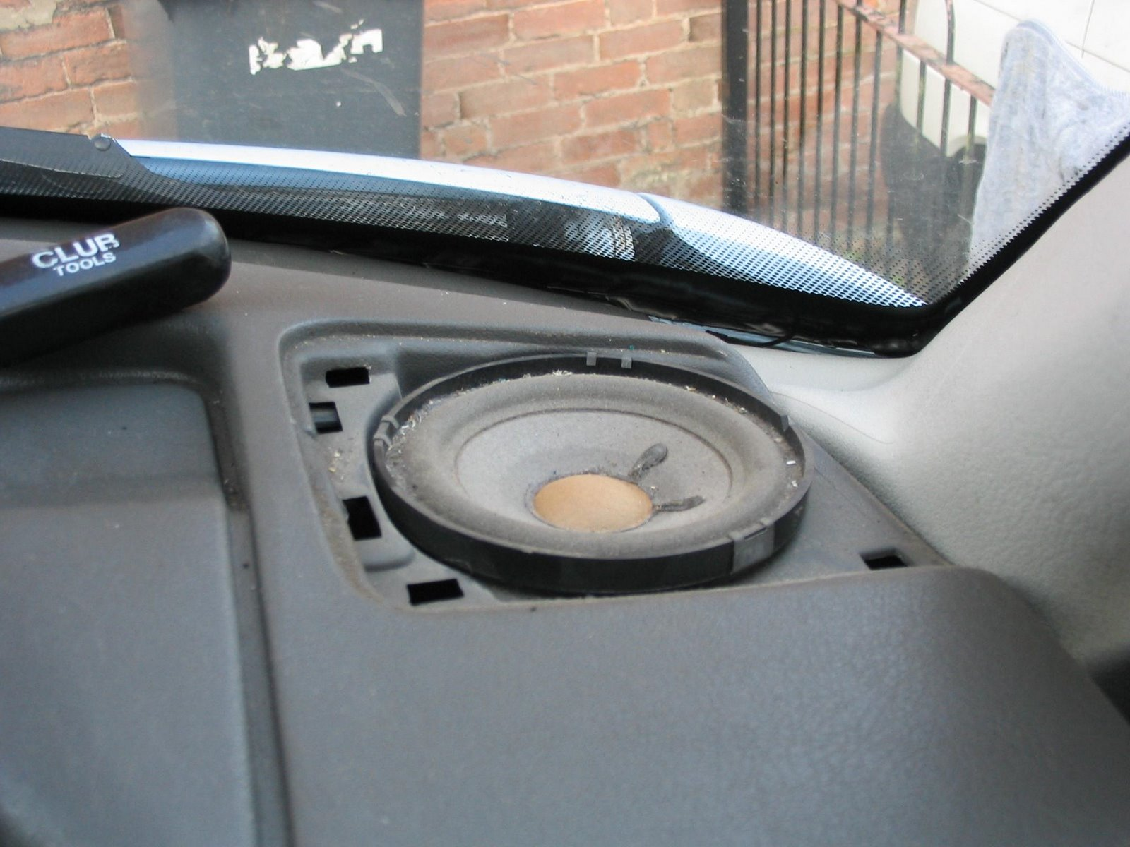vw transporter t4 syncro camper conversion replaced headunit and speakers